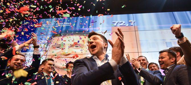 โวโลดีมีร์ เซเลนสกี้ ดาราตลกชนะเลือกตั้งปธน.ยูเครน ถล่มทลาย!